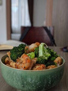 shrimp broccoli rice bowl